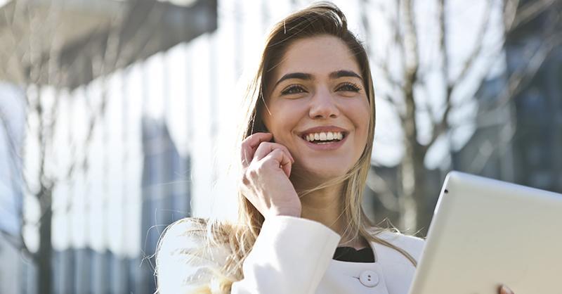 Una limpieza bucal para una sonrisa sana y bonita